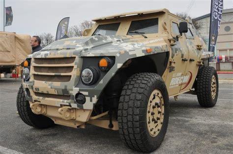 future military jeep army displays future of ground vehicle