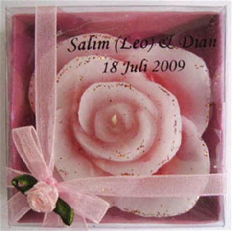 Souvenir Pernikahan Candle Lilin Mawar sovenir antik beserta harganya souvenir undangan pernikahan