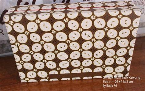 Giftbox Kado Ulang Tahun Kado Anniversary Kado 1 1 gift box motif batik kawung tanpa jendela kartu ucapan