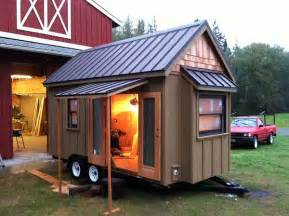 Tinyhouseblog Lloyd S Blog Tiny Home On Wheels