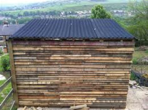 Shed Built Out Of Pallets by Pallet Shed Tree Hugging