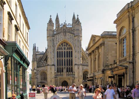 File:Bath abbey and roman baths arp   Wikimedia Commons
