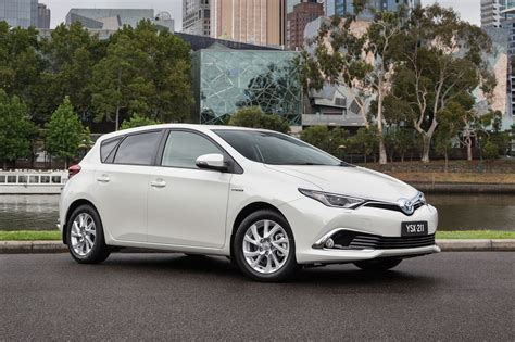 Toyota Carrola The Toyota Corolla Will Get Hybrid Power This Year
