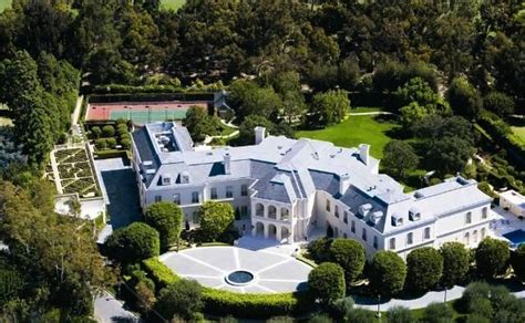 The Spelling Manor Sold Pricey Pads Square Footage White House Residence