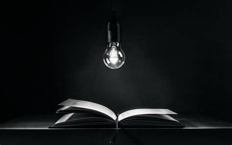 libro la iluminacin en la fondos de pantalla luces monocromo libros vaso l 225 mpara bombilla ligero iluminaci 243 n