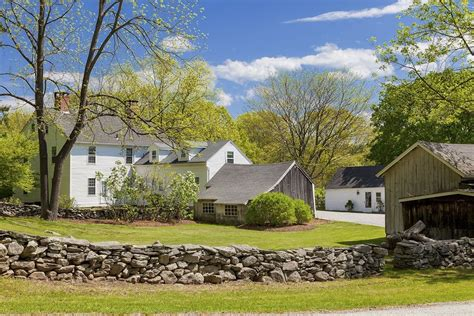 zillow ct renee zellweger selling connecticut country home zillow