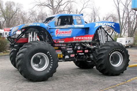 all bigfoot trucks themonsterblog com we trucks bigfoot 4 215 4