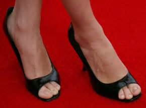 celebrity messed up feet celebrities with bad feet celebrities with ugly toes