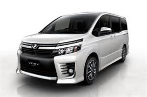 Toyota Mini Toyota Fcv Concept Modified Prius C Debuting At 2013