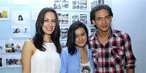 film indonesia terbaru adipati dolken syuting adriana adipati dolken eva celia merasakan