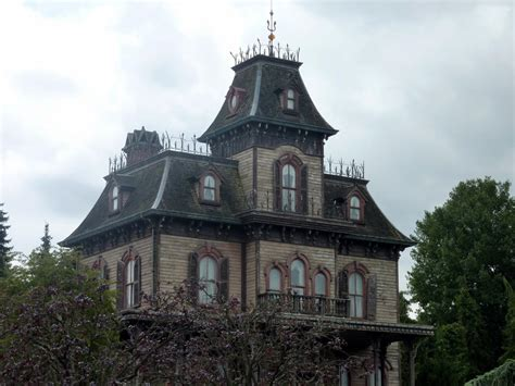 x haunted house essay what makes a true haunted house wuwm