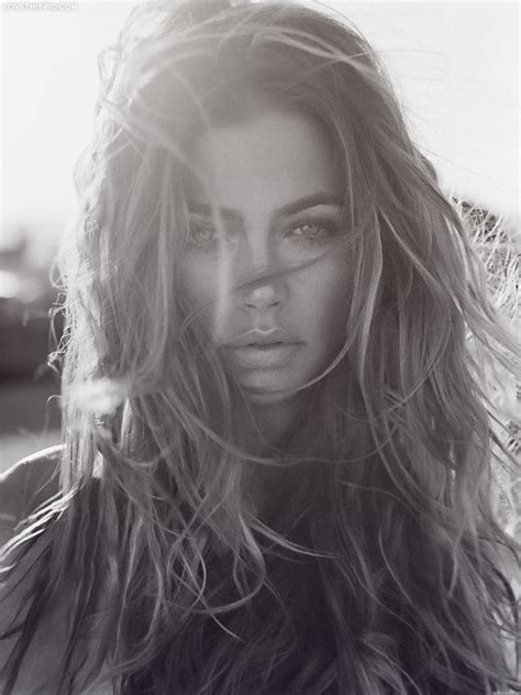 hair styles blown by the wind 25 best ideas about wind hair on pinterest texture