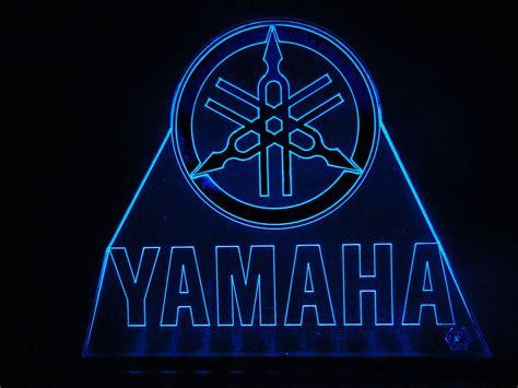 teknoartes displays luminosos logo yamaha