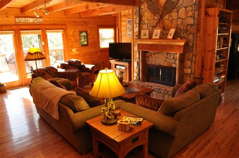 rustic bedrooms design ideas canadian log homes home design perfect log cabin interior ideas best for