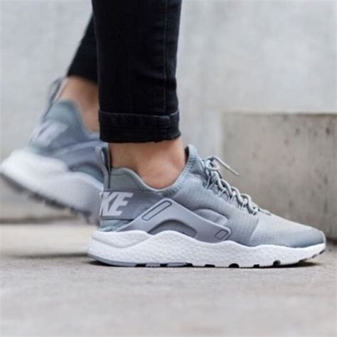Adidas Sepatu Premium Sneakers Unisex Shoes Running nike air huarache 8 5 gray no imperfections great for