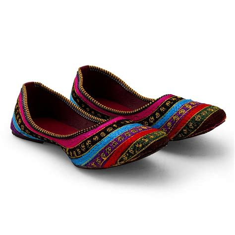 Wedding Shoes Indian by Top 10 Indian Bridal Footwear Options For Wedding Keep