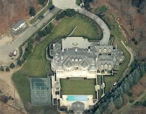 Apartment Above Garage Plans by Updated Aerial Pics Of The Stone Mansion In Alpine Nj