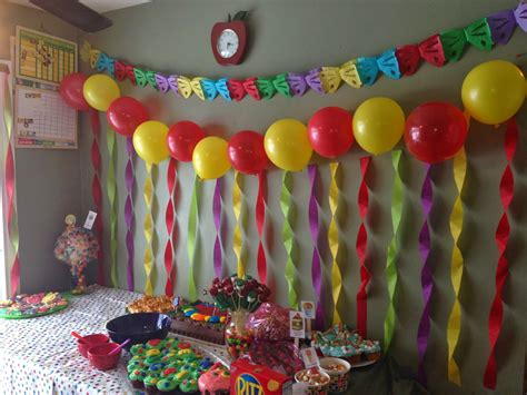 how to decorate birthday in home birthday room decorated images birthday decorating ideas with streamers decorating with