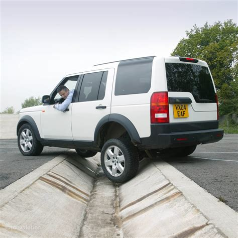 land rover discovery series 3 lr3 2004 2008 workshop service repair manual on cd ebay land rover discovery lr3 2004 2005 2006 2007 2008 2009 autoevolution