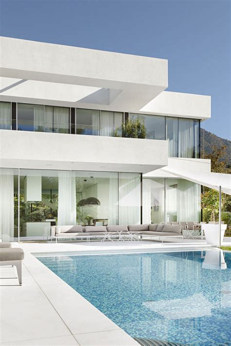 world of architecture beautiful house lombardo by philipp moderna casa de dos pisos con piscina construye hogar