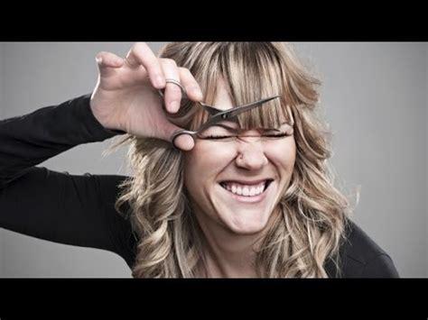 cara catok rambut di rumah cara memotong rambut sendiri di rumah untuk wanita youtube