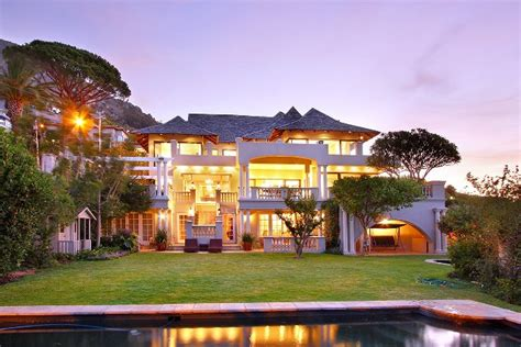 Four Bedroom House For Rent luxury cape town accommodation in fabulous fresnaye