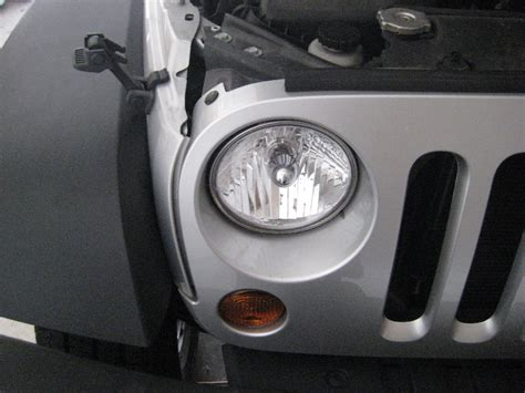 Jeep Wrangler Bulb Replacement How To Change Light Bulbs In 2012 Jeep Wrangler