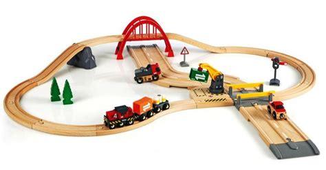 brio road and rail brio rail and road cargo set 33103 table mountain toys