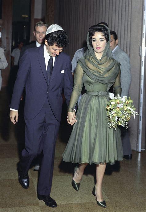 Elizabeths Wedding Dress Our One 4 by The Foxling The Many Wedding Dresses Of Elizabeth