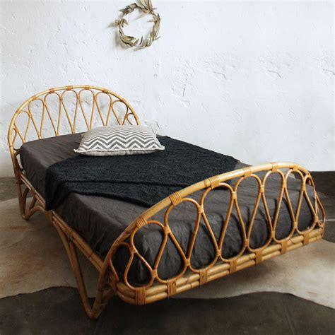 tete de lit vintage lit rotin vintage forme corbeille atelier du petit parc