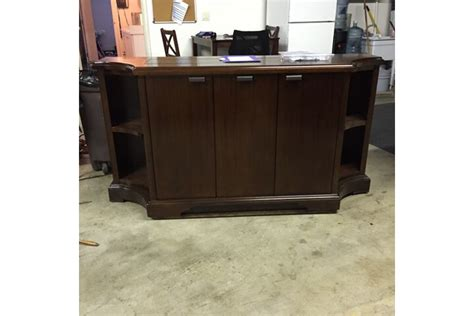 Flat Screen Lift Cabinet by Flat Screen Tv Riser Carlton Credenza Tv Lift Cabinets