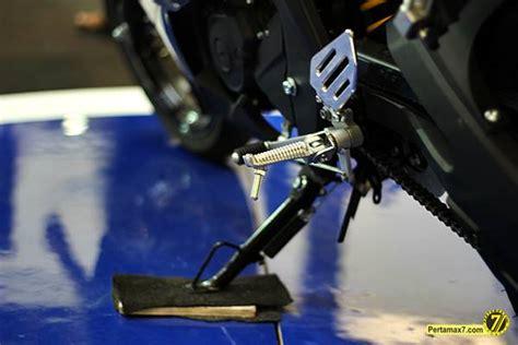 Pedal Persneling Operan Gigi Yamaha R15 pasang footstep yamaha yzf r15 ke yamaha new vixion lightning habis rp 750 ribuan
