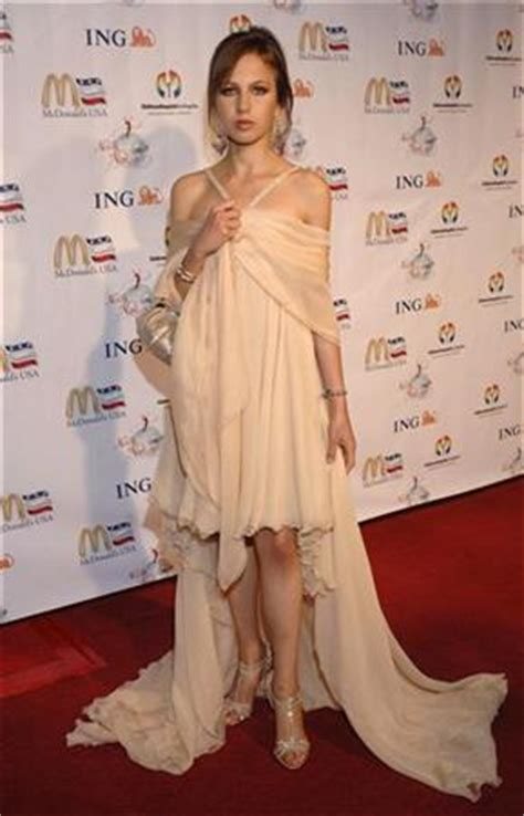 Allegra Versace Still Battling Anorexia by Versace Heiress Battling Anorexia Says Donatella Reuters