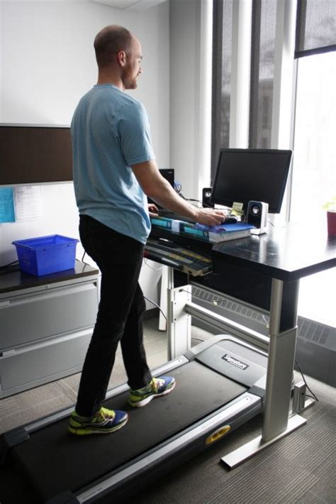 Walking Office Desk Um Today Faculty Of Kinesiology And Recreation Management Walking For Work