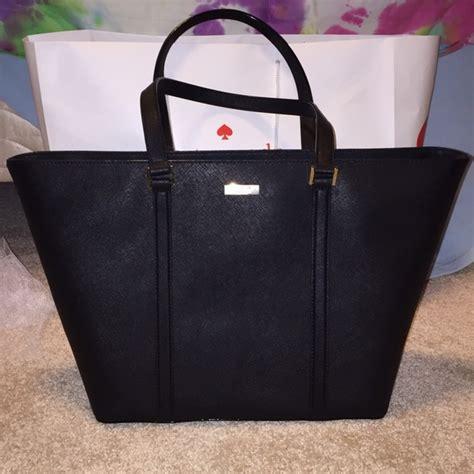 hey ffa what s in your bag femalefashionadvice