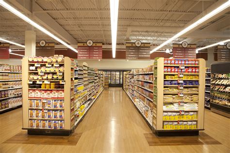 Lighting Fixture Store Grocer Finds Ge S New Led Fixture Is The Answer For Lighting That Lasts Ge Lighting
