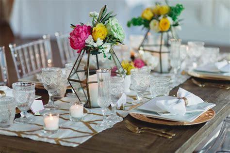 Wedding Decor: Modern Centerpieces & Geometric Patterns