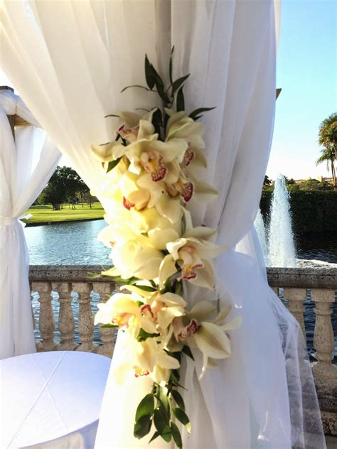 draping flowers for weddings dreamark events blog wedding ceremony with white flowers