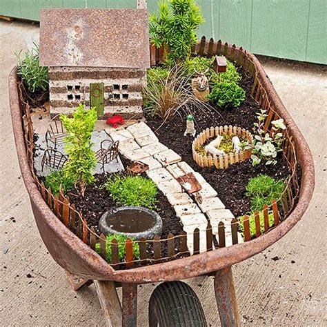 Wheelbarrow Garden Planter by Garden Wheelbarrow Planter Woodworking Projects Plans