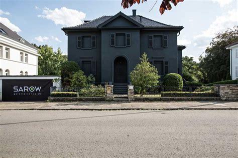 Schwarze Villa by Die Schwarze Villa Galerie Sarow