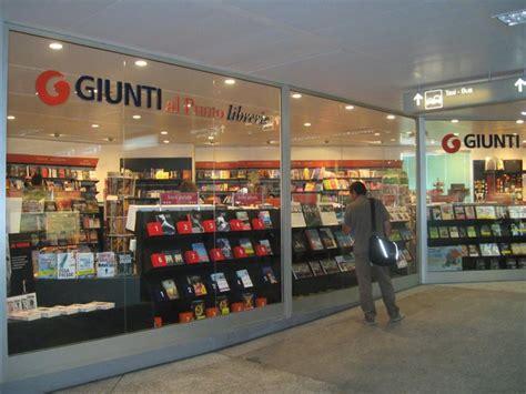 giunti libreria le librerie giunti donano libri