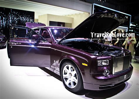 purple rolls royce i love that rolls royce chose an elegant purple to