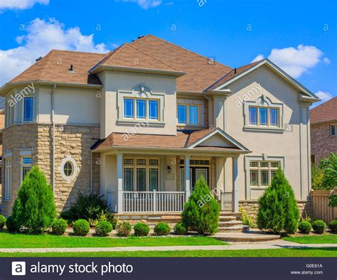 buying a house in america luxury houses in north america stock photo royalty free image 103574278 alamy