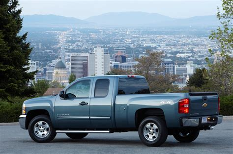 chevy trucks 2013 chevrolet silverado reviews and rating motor trend
