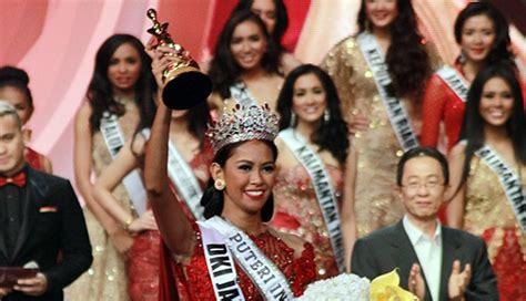 Zivana Top Enter bunga jelitha puteri indonesia 2017 ada insiden keliru nama