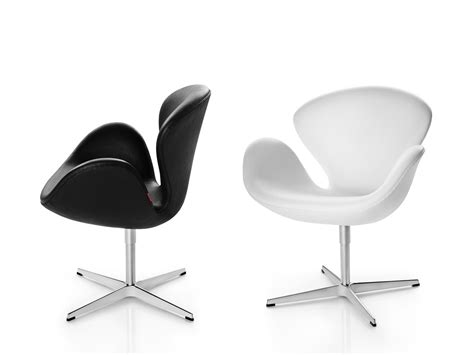 fritz hansen lounge chair buy the fritz hansen swan lounge chair leather at nest co uk