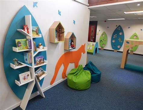 visual displays  woodland themed primary school library