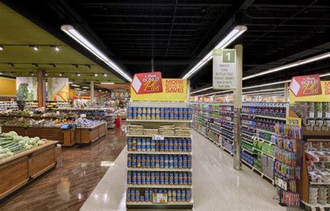 retail store lighting guide retail store fixtures led display lighting cree lighting