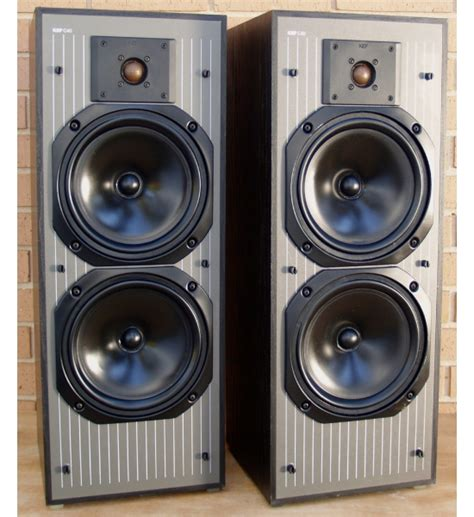 kef c40 bookshelf speakers review test price