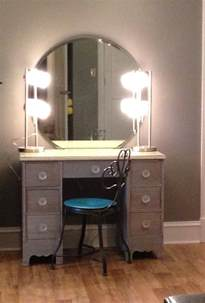 Makeup Desk With Lights And Mirror Bedroom Classic Bedroom Makeup Vanity Idea Designed With Drawers And Mirror Also Lights